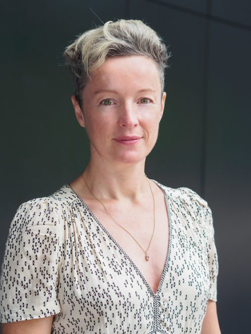 Mme Karine Grasset